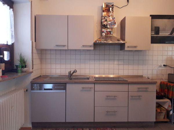 Küchenzeile 3m küchenzeile 2 5 jahre alt inkl elektrogeräte zweiteilig je 220
