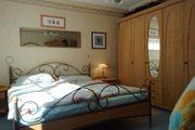 Komplettes Schlafzimmer Vollholz Metallelemente - außergewöhnlich