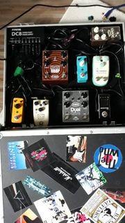 7 Gitarreneffeffekte Stimmgerät Stromversorgung Kofferboard