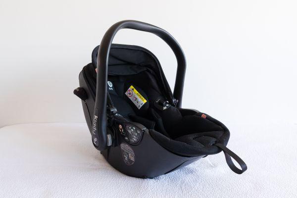 Kiddy Babyschale schwarz-grau mit Neugeboreneneinsatz, Isofix Base 2 und Regen- und Moskitoschutz - Nürnberg - Kiddy Babyschale Evoluna i-Size, Racing Black 2016 in schwarz-grau inkl. Neugeboreneneinsatz (NP: EUR365,49)+Kiddy Isofix Base 2 (NP: EUR 128,99)+Kiddy Regen und Moskitoschutz (NP: EUR 34,90)kaum benutzt, top Zustandaus tierfreiem Nichtraucher - Nürnberg