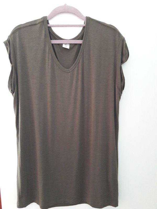 T-Shirt khakigrün Gr M