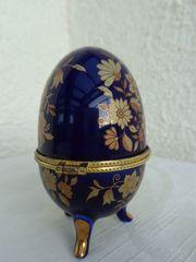 Schmuckdose aus Porzellan in Eierform