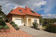 Einfamilienhaus mit Balatonpanorama -