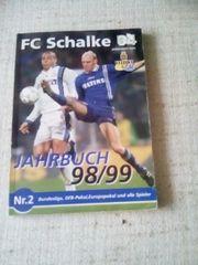 1und 2 Jahrbuch Schalke 04