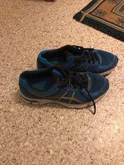 Asics junge Schuhe 38gr