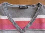 Schöner Strick-Pullover