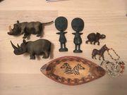 Afrikanische Figuren Holz geschnitzt Nashorn