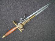 Dekopistole Messer und Steinschloßpistole Pistole