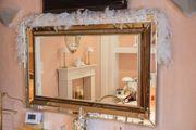 Edler Wandspiegel mit vergoldtem Rand