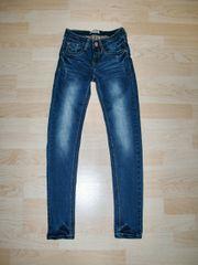 Barbara Farber Jeans,