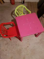 verschenken tisch mit 2 stühle