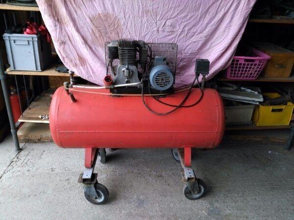 luftkompressor kaufen luftkompressor gebraucht. Black Bedroom Furniture Sets. Home Design Ideas