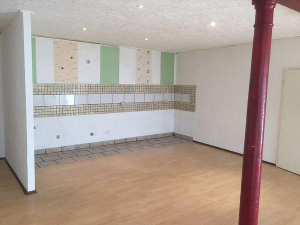 Drei Zimmer Küche : Neu zimmer küche bad renovierte altbauwohnung in hof zu