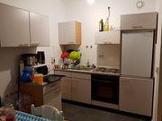 Küche mit neuem Kühlschrank neuer