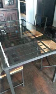 Ikea Tisch mit 4 Stühlen