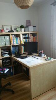 Schreibtisch von ikea mit Regal