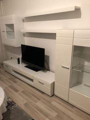 Wohnzimmer Wohnwand in weiß Hochglanz