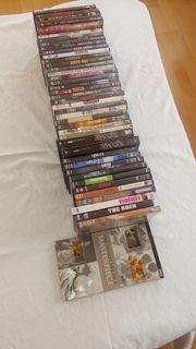 DVDs kunterbunt auf