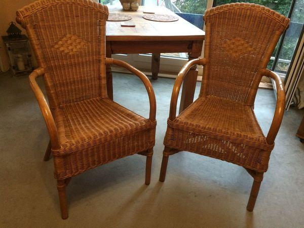 2 Stuhle Aus Rattan Mit Armlehnen In Munchen Speisezimmer